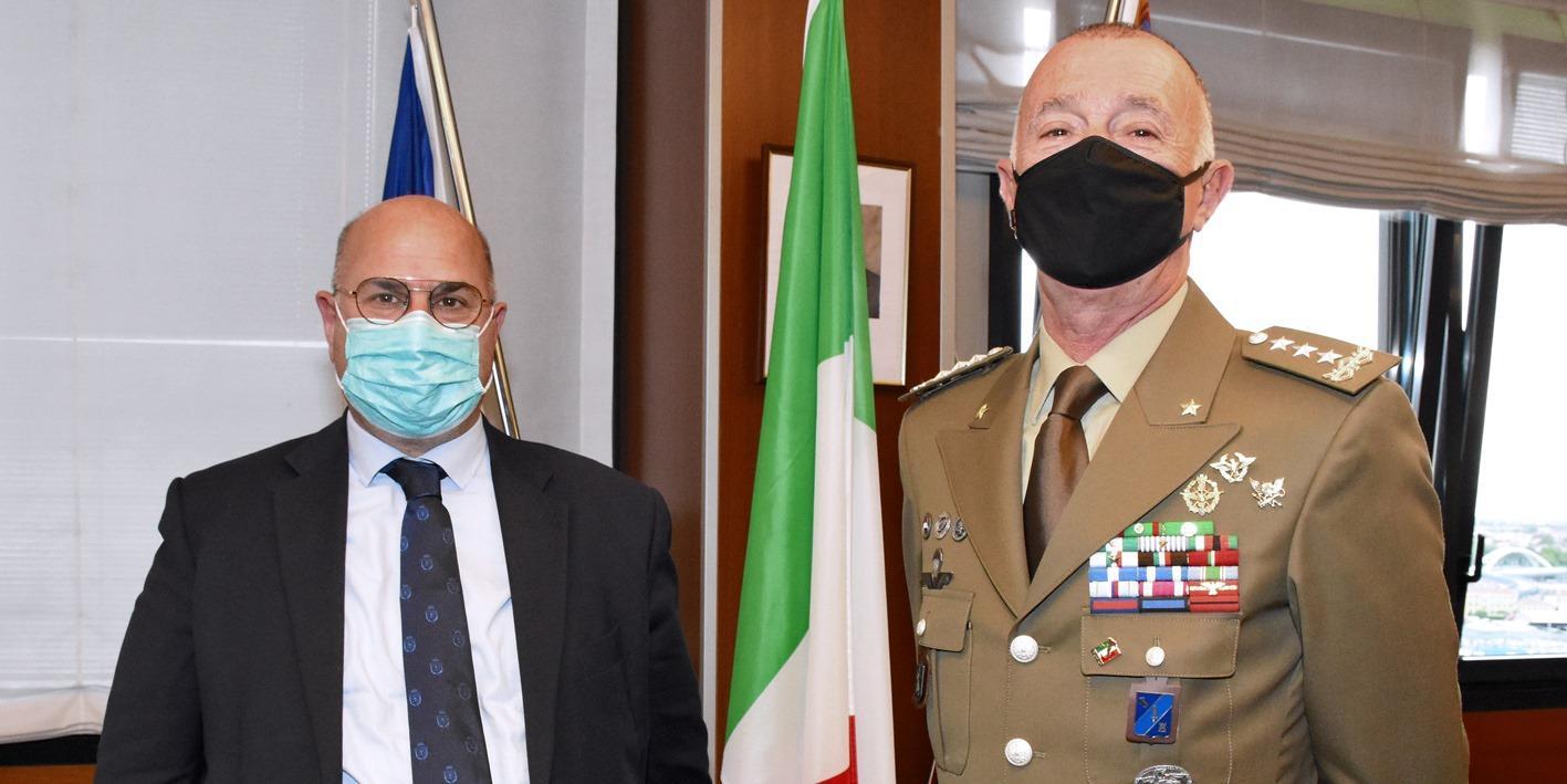 Il presidente della Provincia Fabio Bui con il nuovo comandante delle Forze Operative Nord in Padova Roberto Perretti