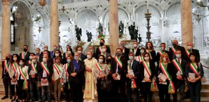 Fabio Bui e gli amministratori locali nella Basilica del Santo