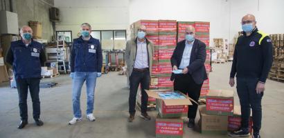 consegna mascherine al presidente della Provincia Fabio Bui all'Interporto di Padova