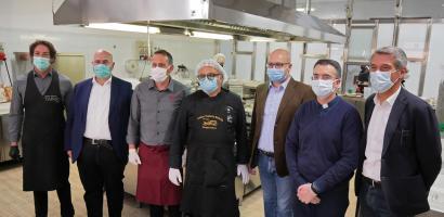 Gli chef delle Tavole Tauriliane con il presidente della Provincia Fabio Bui